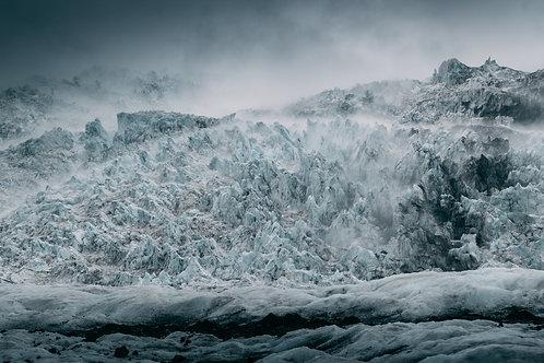 Dark glacier Islande Horizontal