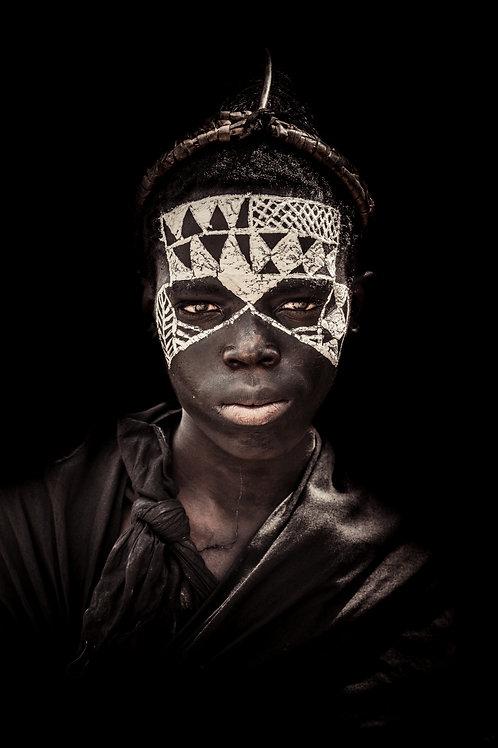 Portrait jeune fond noir Tanzanie