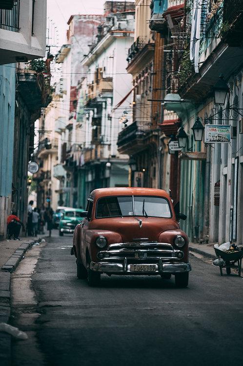 Vieille voiture bordeaux Cuba