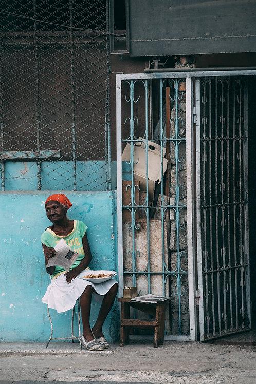 Femme rue Cuba