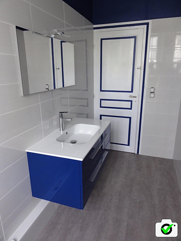Label vraiephoto.com rénovation salle de bain rétro chic saint-malo
