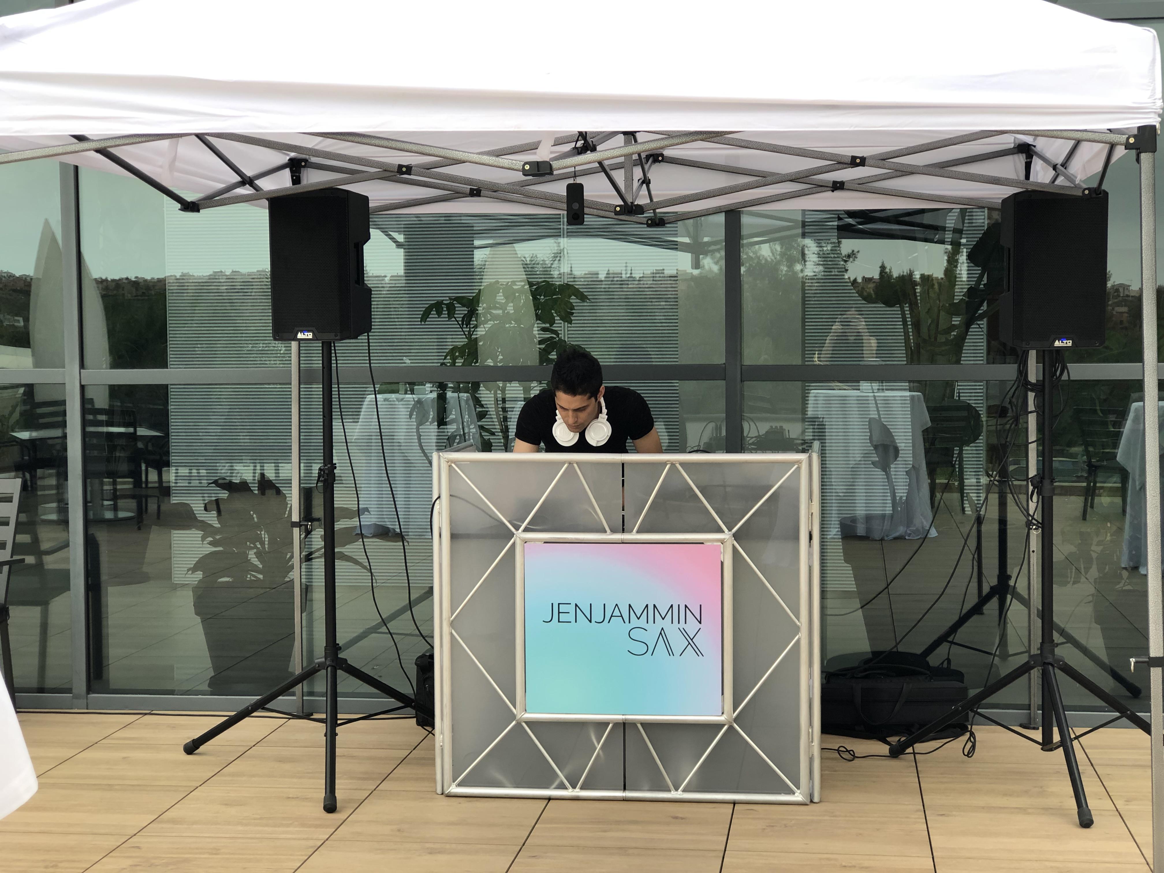 DJ & SAX set-up with gazebo, for wedding in Alicante