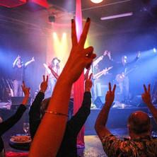 PEACE LOVE ROCK 'N ROLL