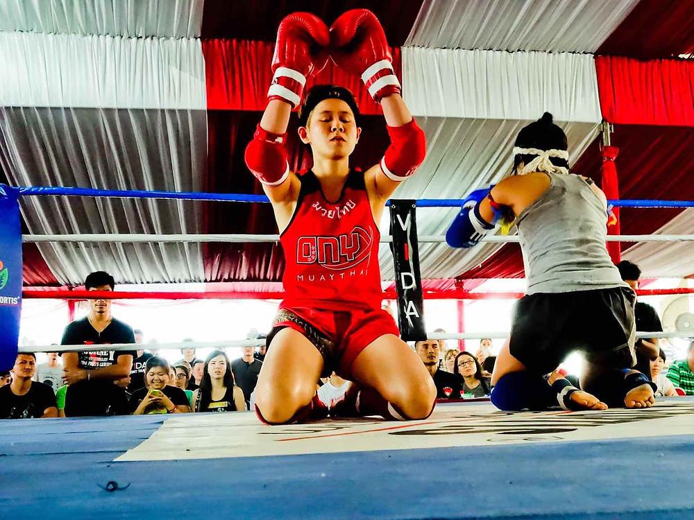 Chocolate Onyx doing the Wai Khru at an international fight circa 2014