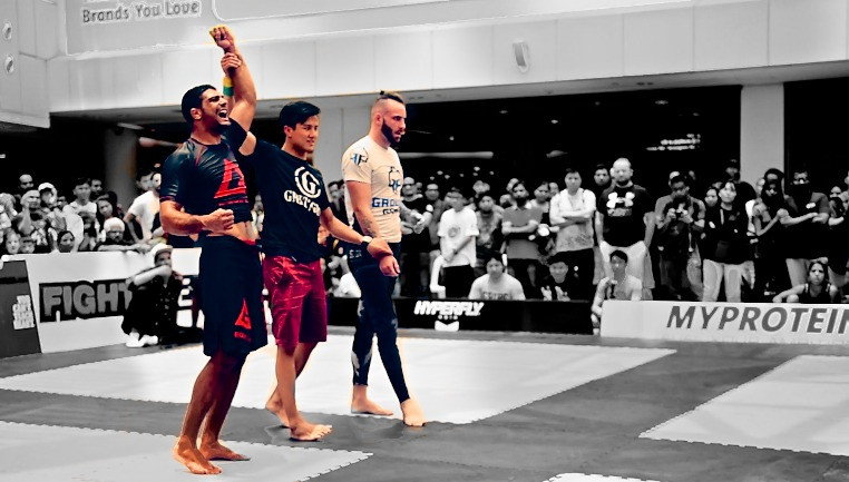 Winning his first Super Fight in Singapore!