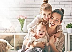 madre-con-sus-hijos.jpg