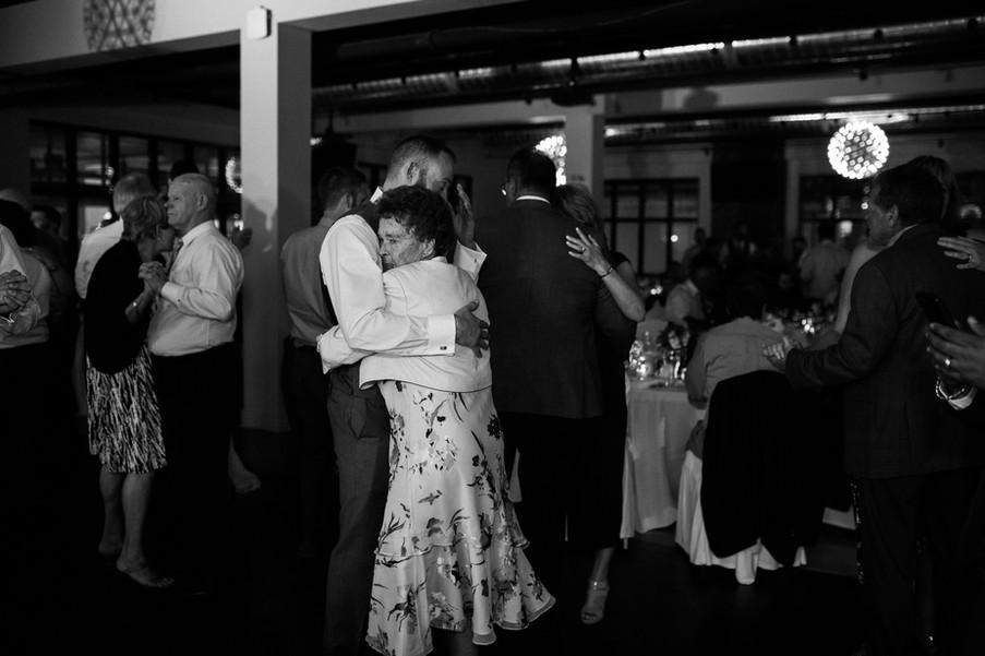 Toronto Wedding Photographer-5.jpg
