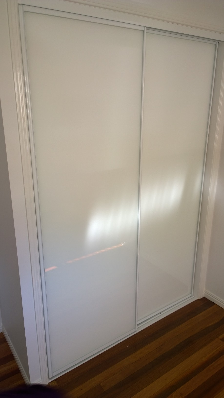 Framed super white wardrobe