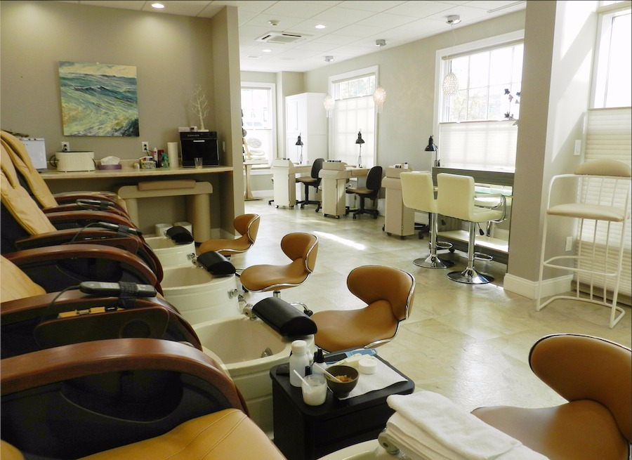 Avance Day Spa Pedicure Chairs