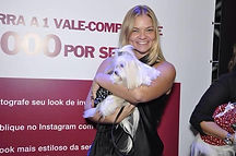 Pet Sitter Rio Desfile UAU Pet Store Shopping Rio Design Barra