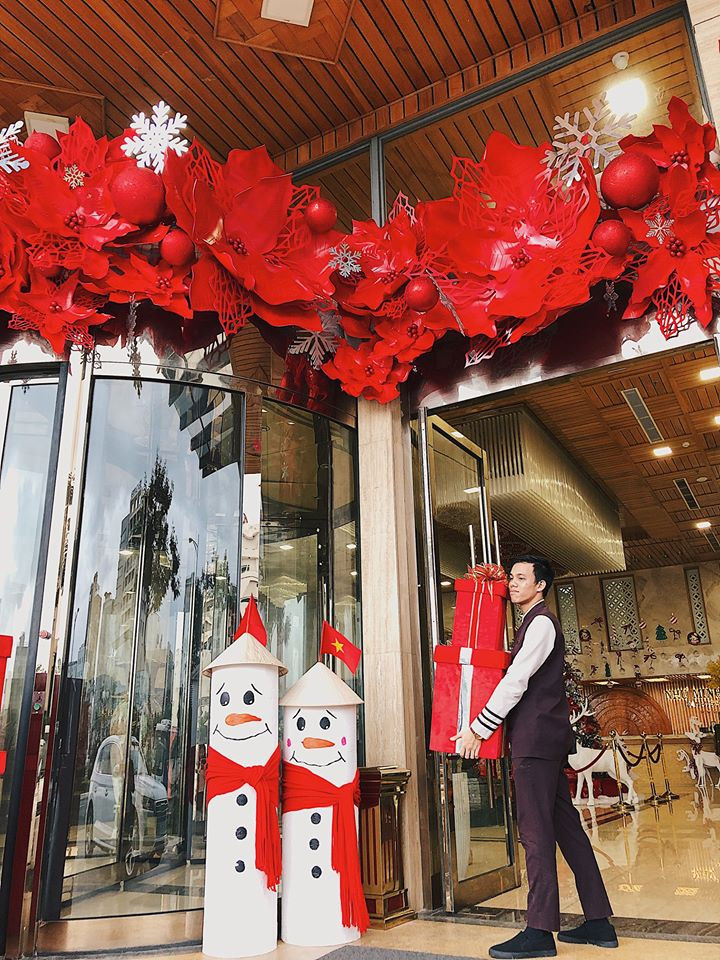 Top Danang hotelswith the most beautiful christmas decoration