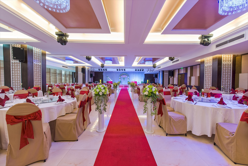 TOP HOTELS WITH THE MOST WONDERFUL WEDDING HALL IN DANANG