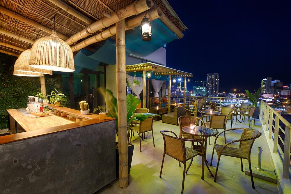 TOP 6 MOST OUTSTANDING BEACH HOTELS TO EXPERIENCE MID-AUTUMN FESTIVAL