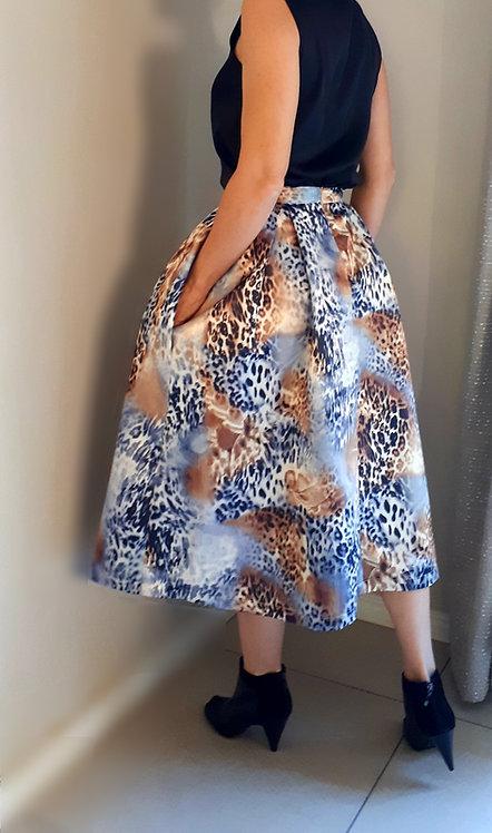 Satin skirt with animal print