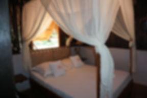 Chambre bois bungalow Mahajanga