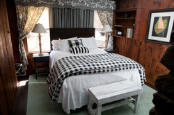 Lakewood Master bedroom.jpg