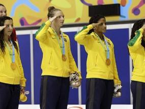 Por que os brasileiros prestam continência no pódio do Pan?