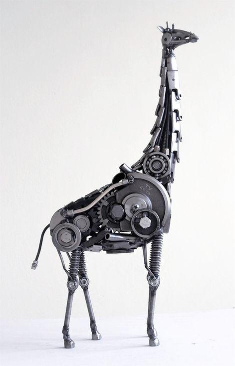 giraffe sculpture