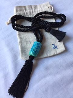 ref. 961A00:   collar abalorios de pasta egipcia 96cm   bolsa para conservarlo   realización a mano