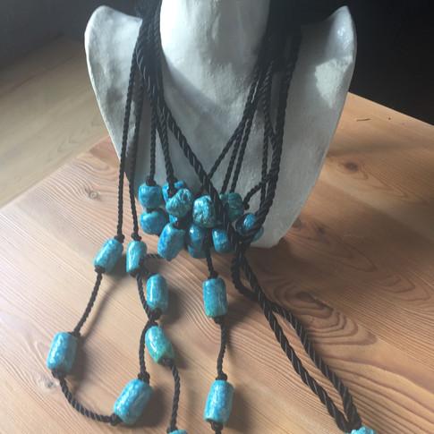 collares abalorios de pasta egipcia realización a mano