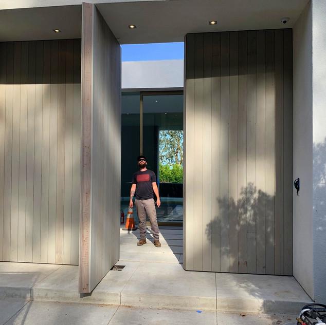 Alta Mura Entry: Scale