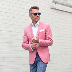 linen-suit-pink-jacket-blue-pants