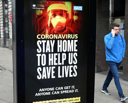 UK at 'tipping point' in second coronavirus wave – latest updates