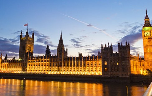 Lords vote to ban low-quality food imports