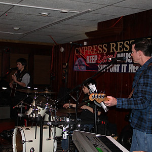 Eustace Family Performs at the Cypress Restaurant