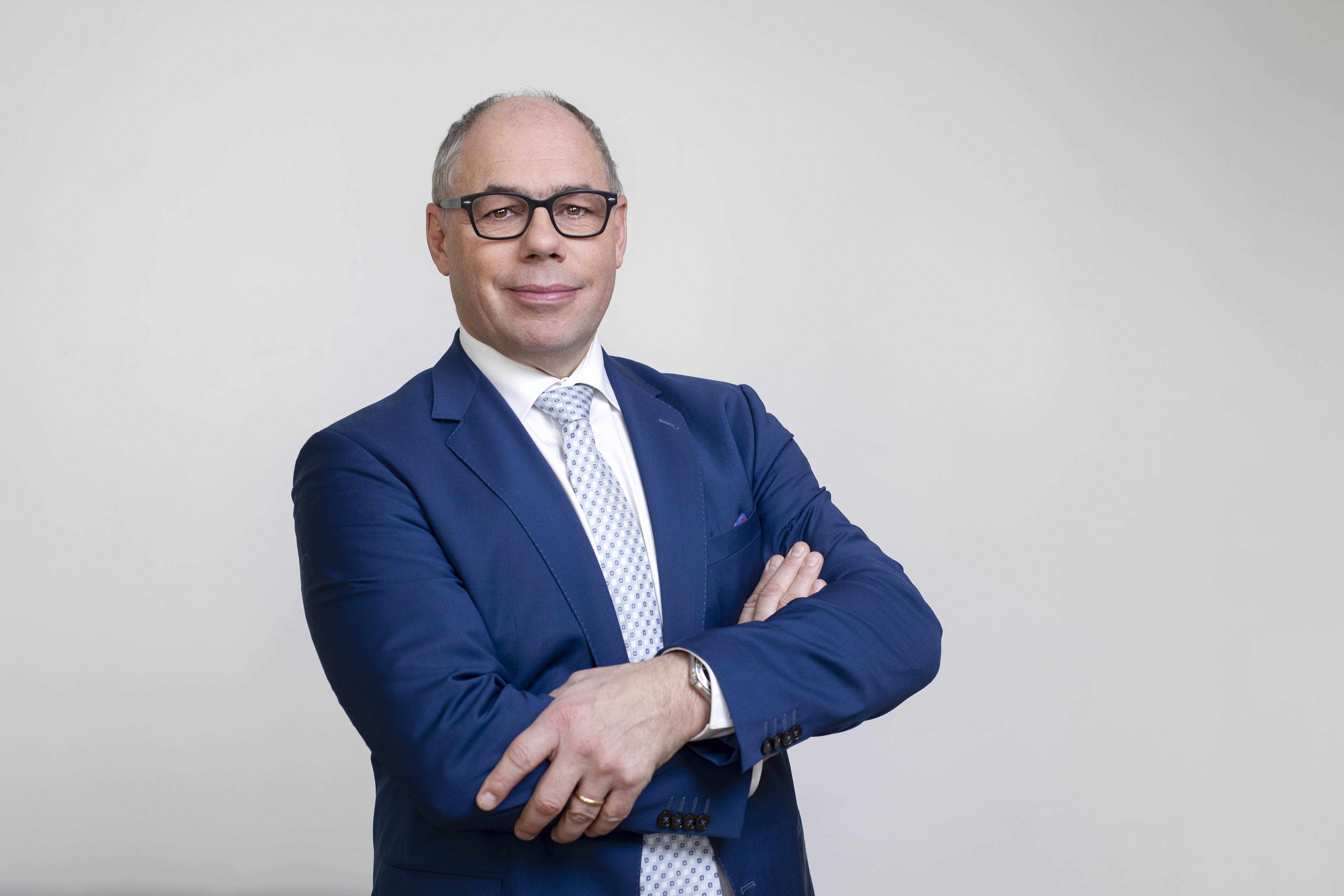 Dr. Alexander Gruber