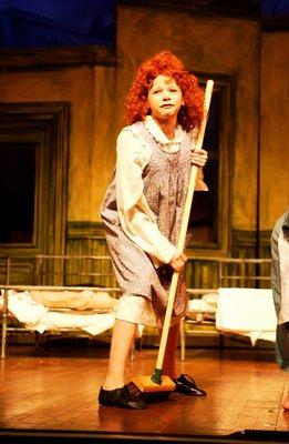 Annie - 2004