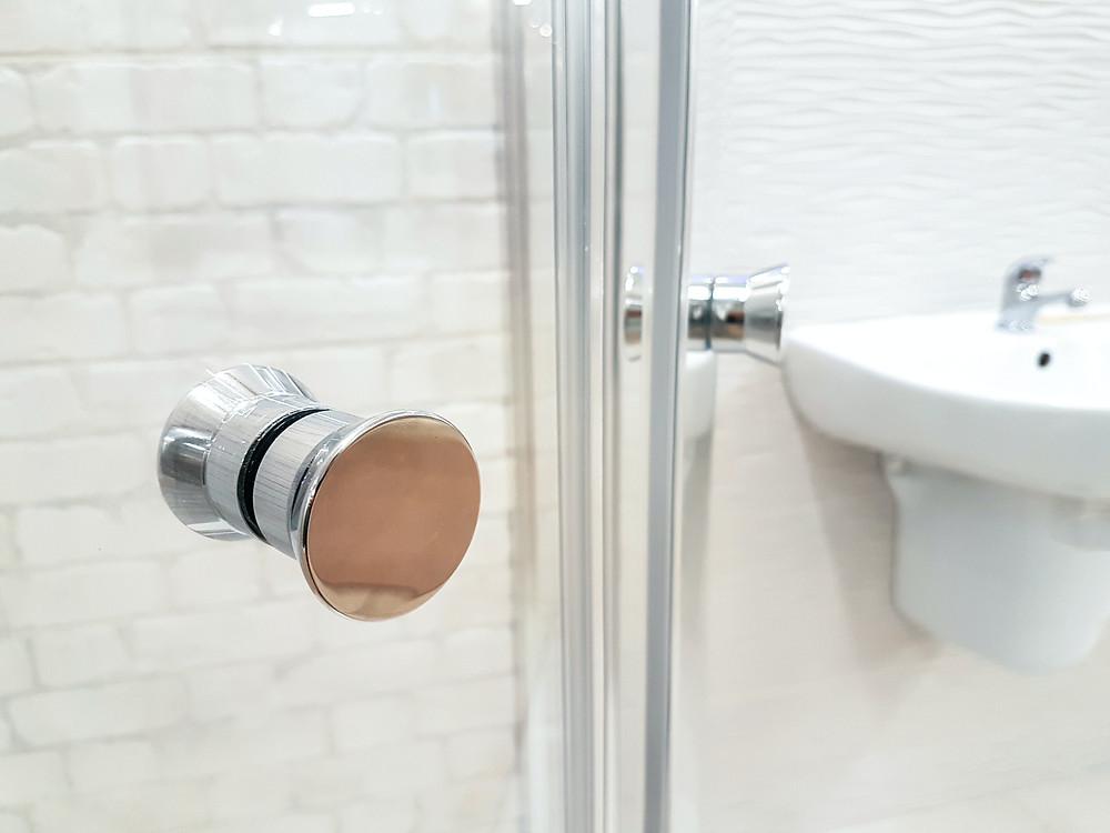 Mamara de cristal para baño MIC Multiservicios