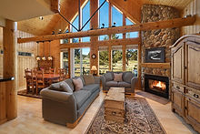 vacation-rentals-central-oregon-eagle-creek-chalet-living-room.jpg