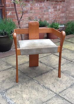 Laminated oak arm chair