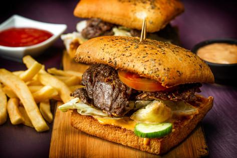 14. Roast beef and lettuce sandwich - 95