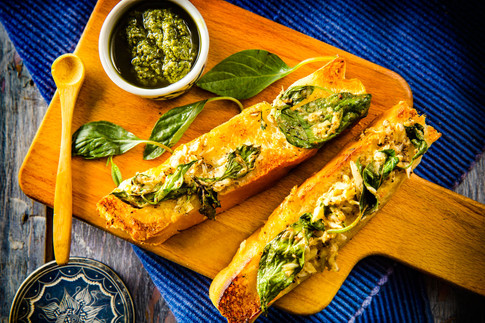8. Garlic bread sticks with pesto - 3885