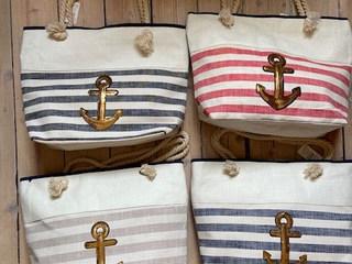 Anker-Taschen gestreift in verschiedenen Farben von Highlight Company