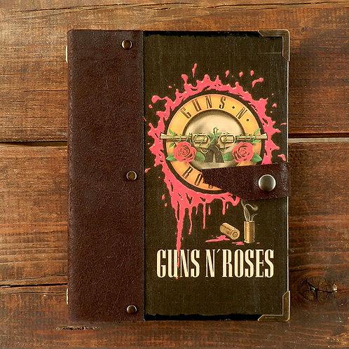 V. GUNS N ROSSES