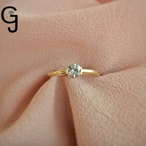Yellow Gold Ring with White Sapphire B 1932