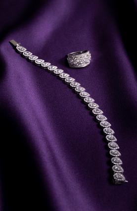 Pear-Shaped Diamond Bracelet