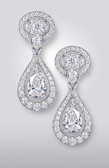 PEAR- SHAPE DIAMOND EARRINGS