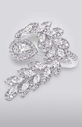 FLORAL-INSPIRED DIAMOND RING