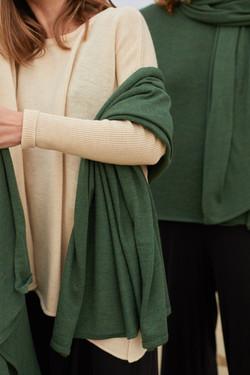 détails photo pour la marque de poncho breton Find Your Metanoia