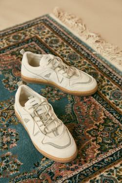 photographe mode en studio pour Umoja Shoes avec mannequins en Bretagne