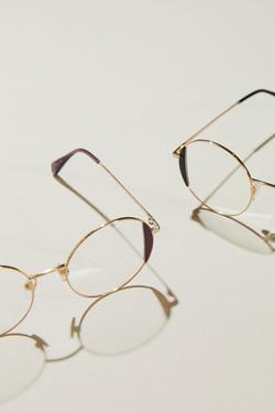 photographe nature morte en studio pour boutique de lunettes à Brest