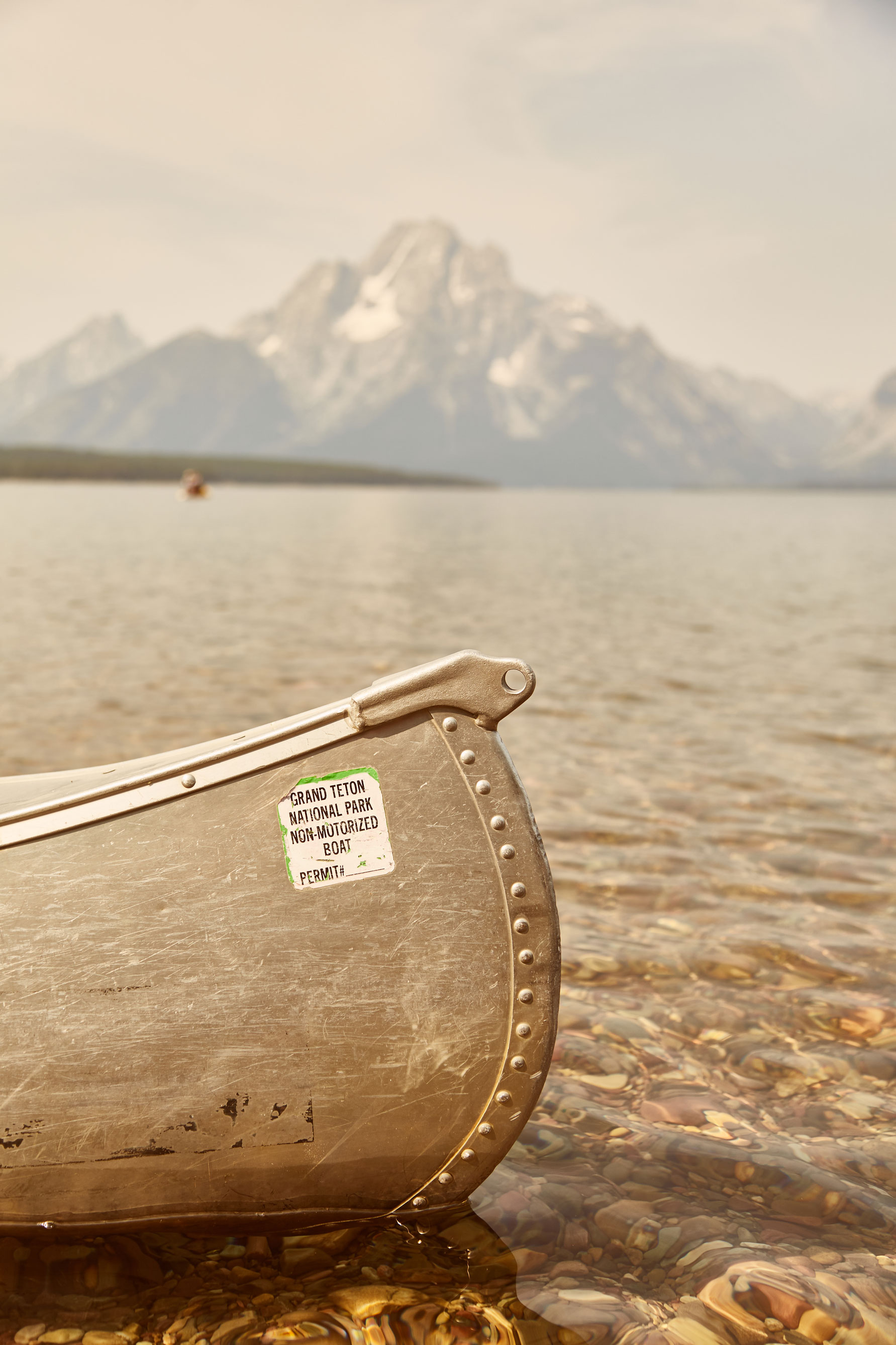 grand teton usa canoe montagne