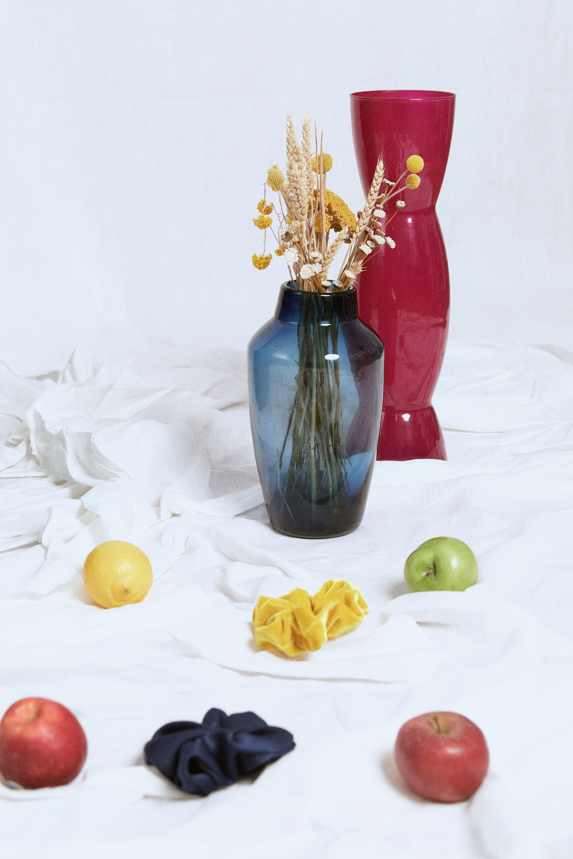 shooting photo eshop et nature morte en studio pour la marque bretonne Lou Ty, robe demi mesure à Qu