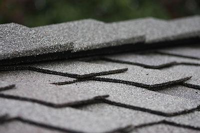 Speed Ridge Max stone coated vented roof trim
