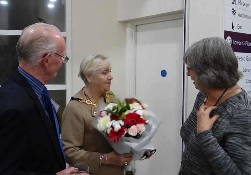 4c DSC09329 presentation to the Mayor by Jenny Arnold