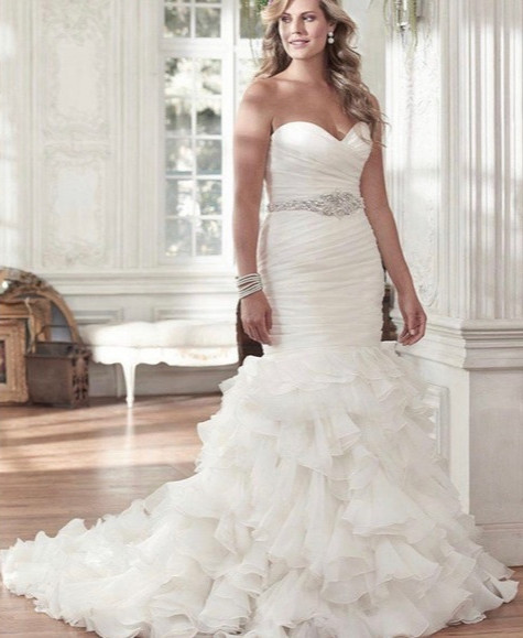 Maggie Sottero Divina Size 10 - Fits like size 8